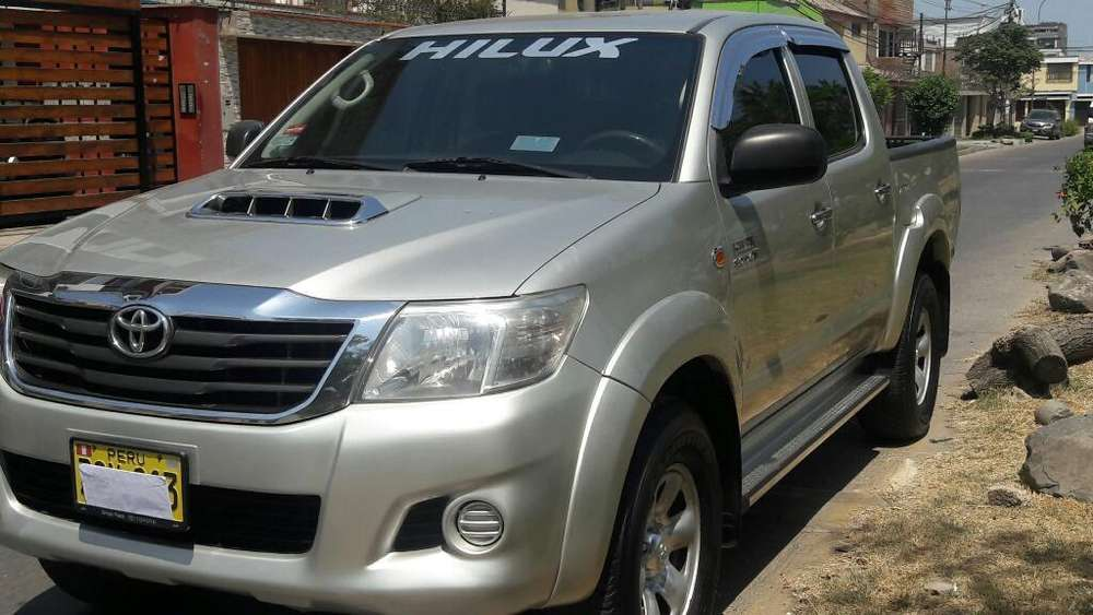 Toyota Hilux 2013 - 0 km