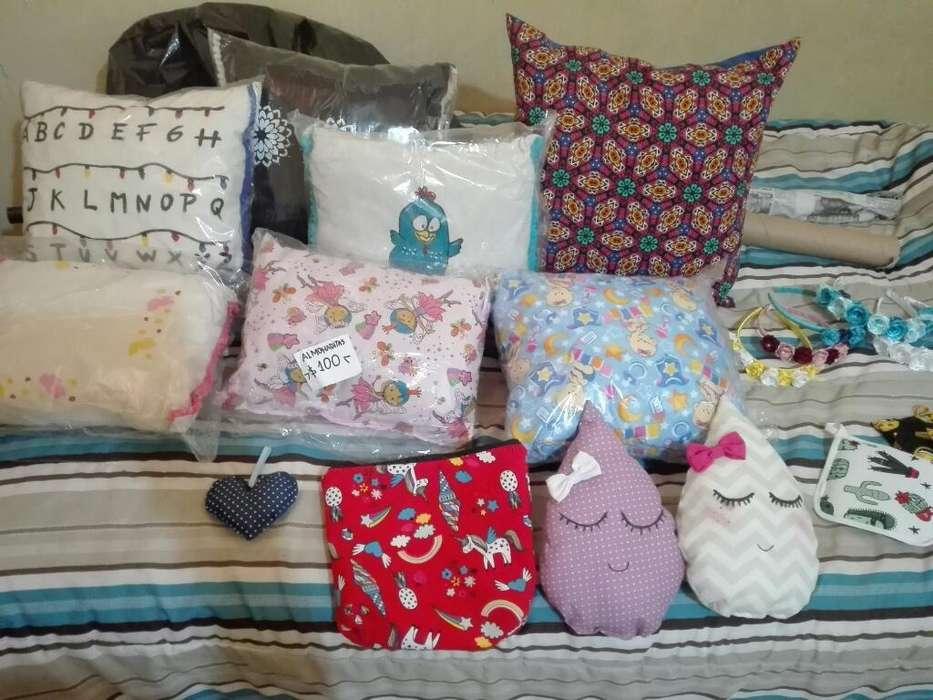 Almohadas,agarraderas,moños,vinchas,etc