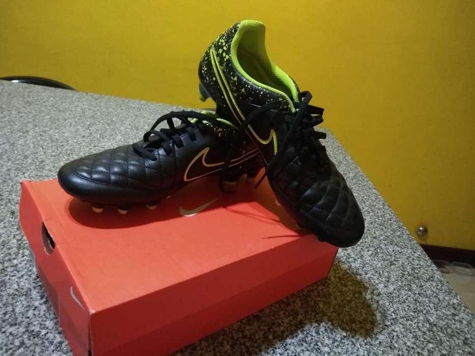 Botines Nike Tiempo con Tapones