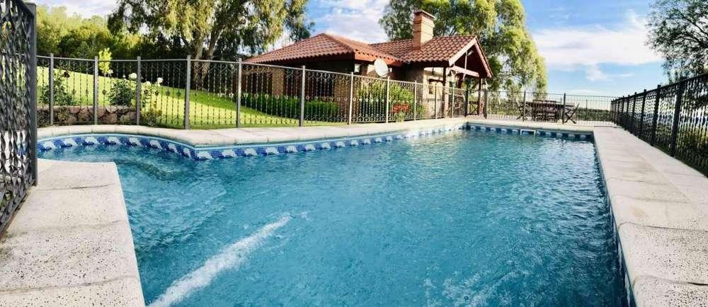 ff80 - Casa para 2 a 6 personas con pileta y cochera en Villa De Merlo