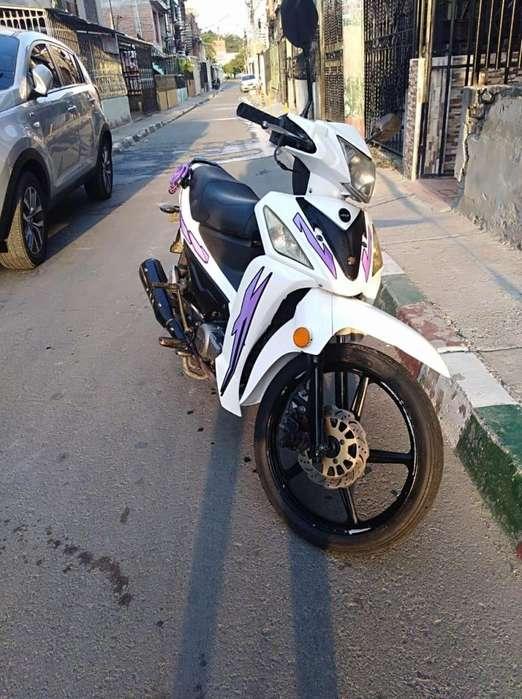 Venta de moto AKT
