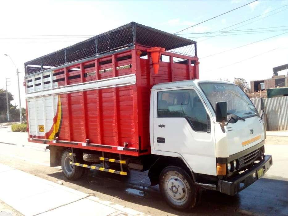 Dos Camiones Hyundai