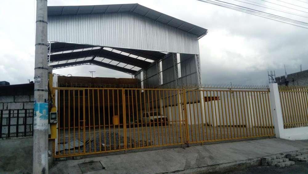 Bodega - Galpón Industrial a Estrenar de Renta Panamericana Sur km1 Frente a INIAP.