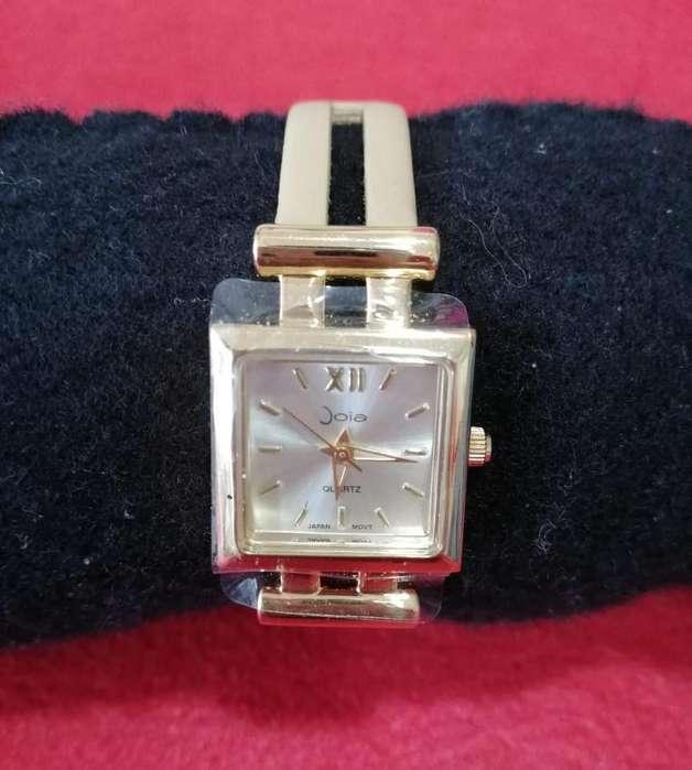 Hermoso reloj Joiá