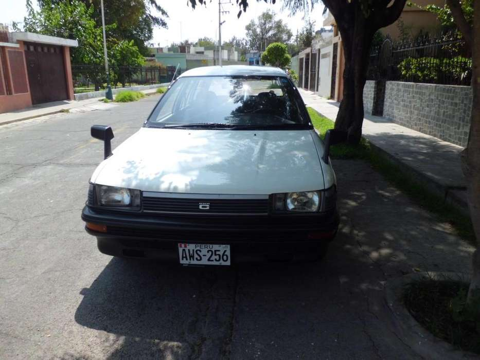 Toyota Corolla 1988 - 67700 km