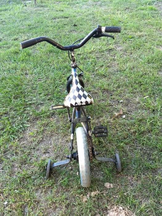 Vendo Bici Nene Rodado 12 con Ruedas Aux