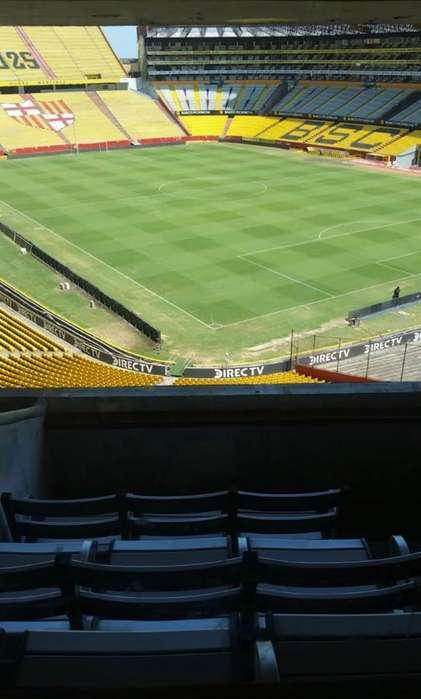 Suit-Estadio Monumental