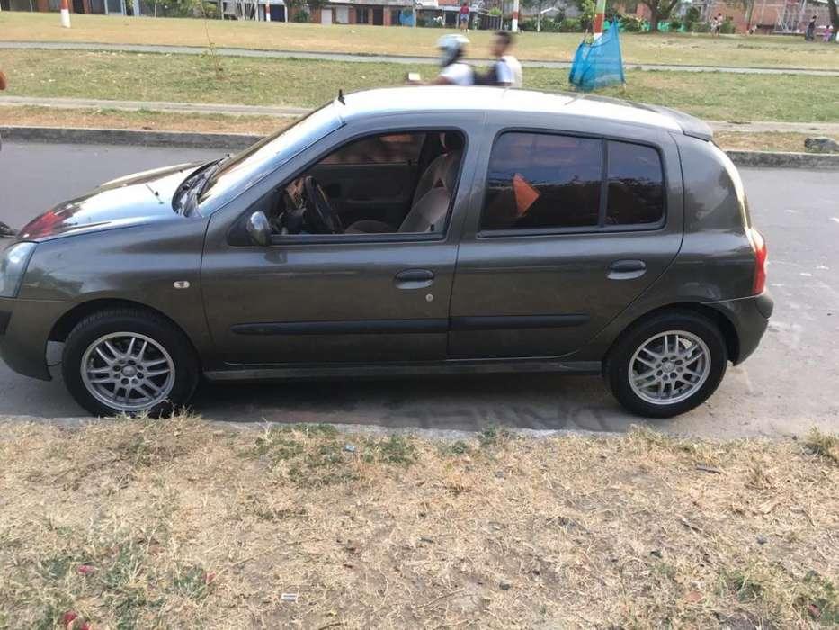 Renault Clio  2005 - 177000 km