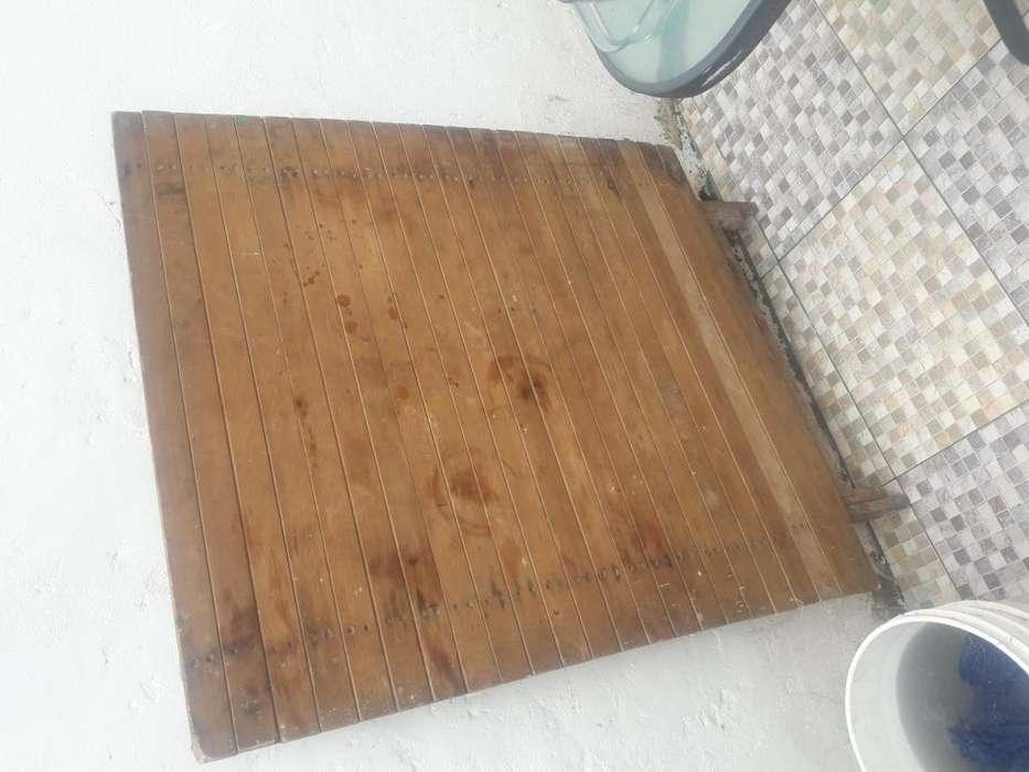 Mesa Plegable de madera son tres