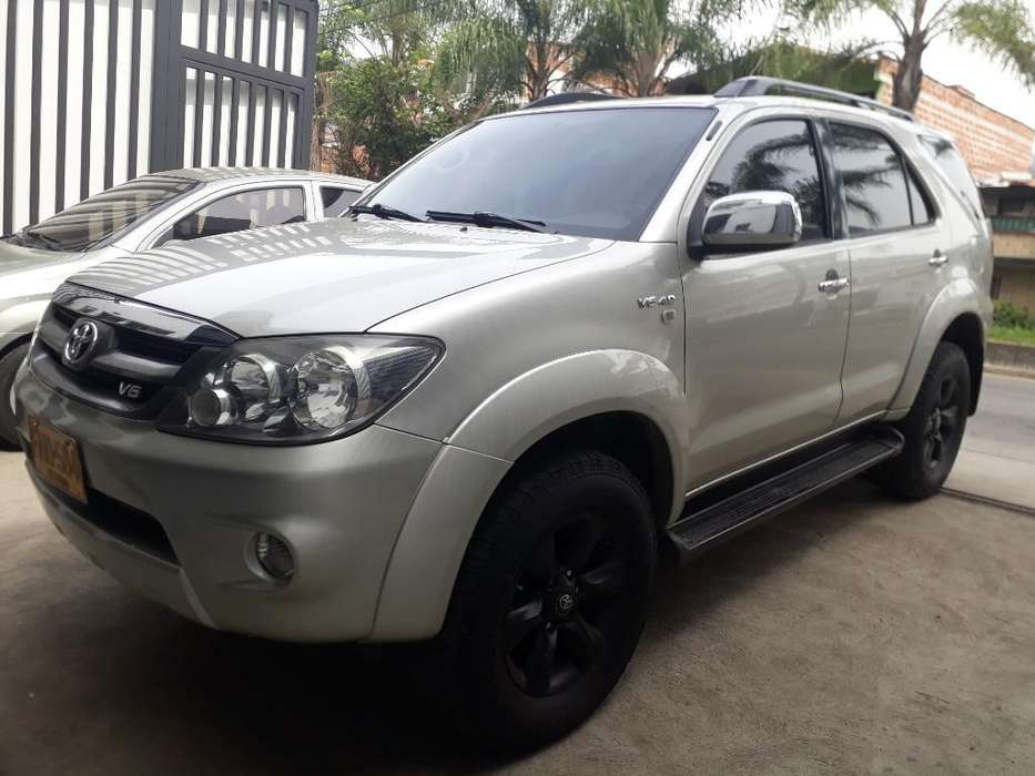 Toyota Fortuner 2008 - 167000 km