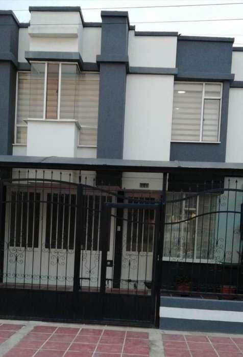 Vendo Bonita casa de dos pisos, Barrio El Jardín, Sogamoso.