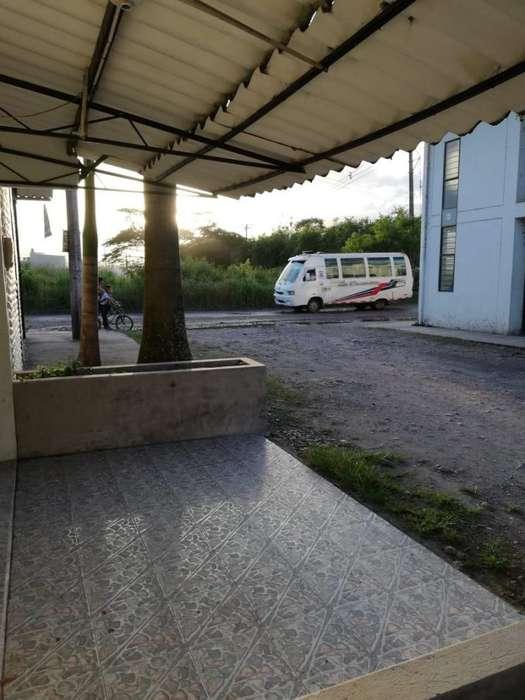 Casa Barrio Covisan Diagonal al Paradero De Buses
