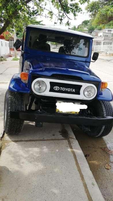 Toyota Land Cruiser 1972 - 999 km