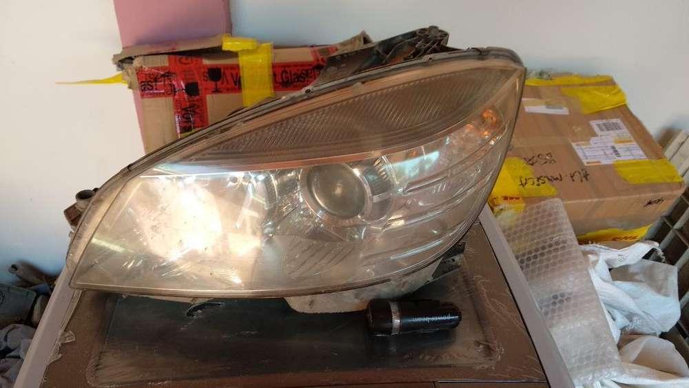 Faros Merceded Benz C200 W204 0811
