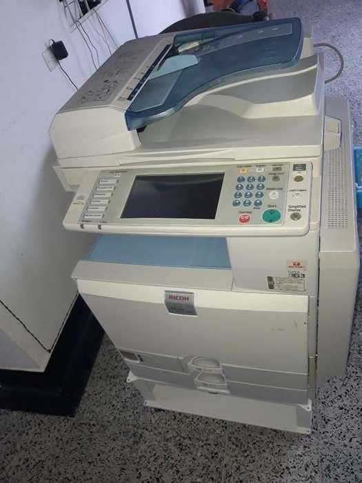 Vendo Fotocopiadora a Color Mpc 2500