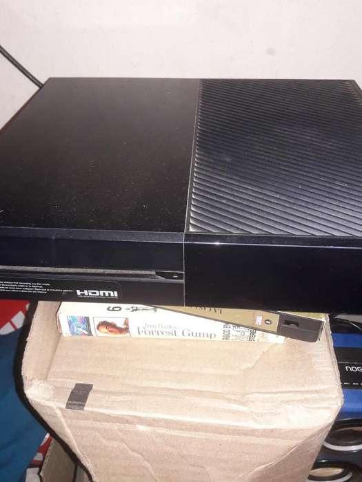 Vendo Xbox One Como Nueva con 3 Juegos