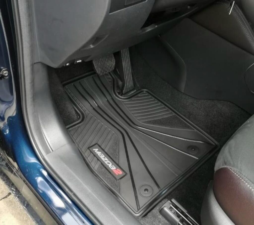 Mazda 2 Tapetes Todo Clima