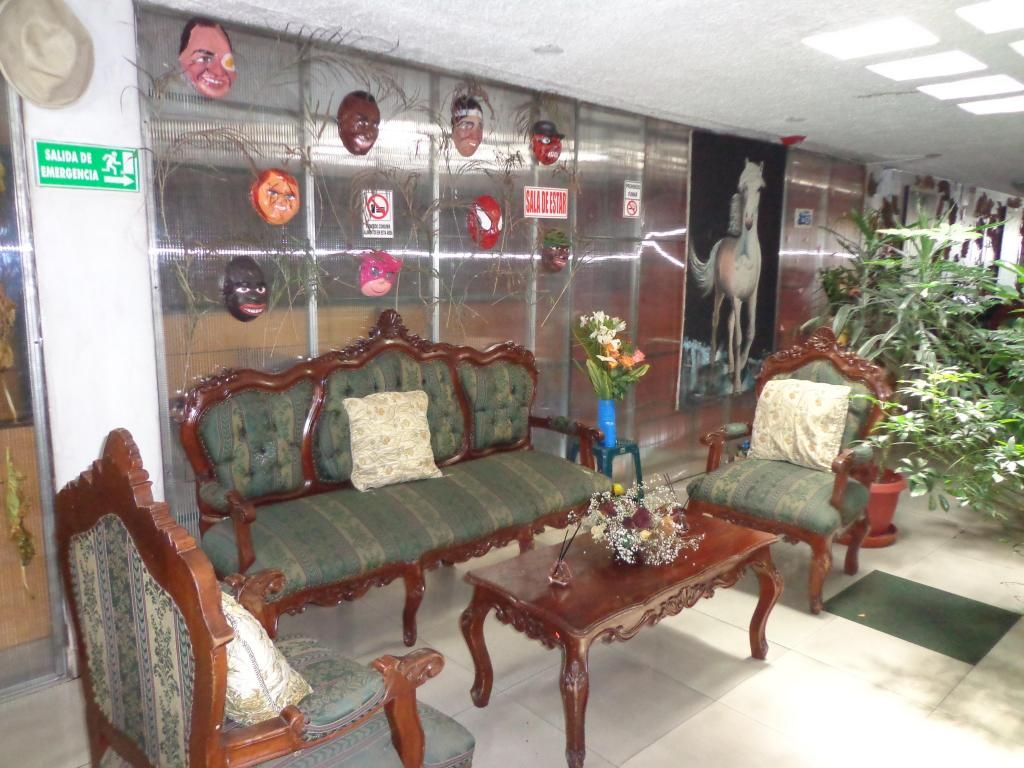 30 USD SEMANALES HABITACION COMPARTIDA IDIVIUAL 45 USD LA SEMANA/arriendo/amobladas/centro/Quito/dormitorios/HOSTAL