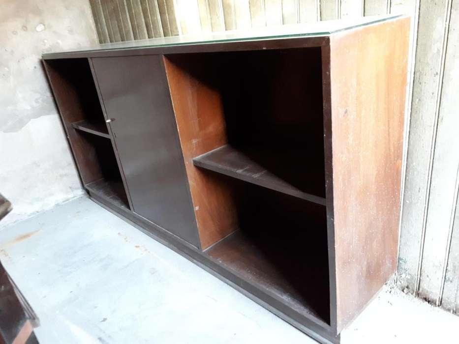 Mueble Bajo Antiguo de Oficina