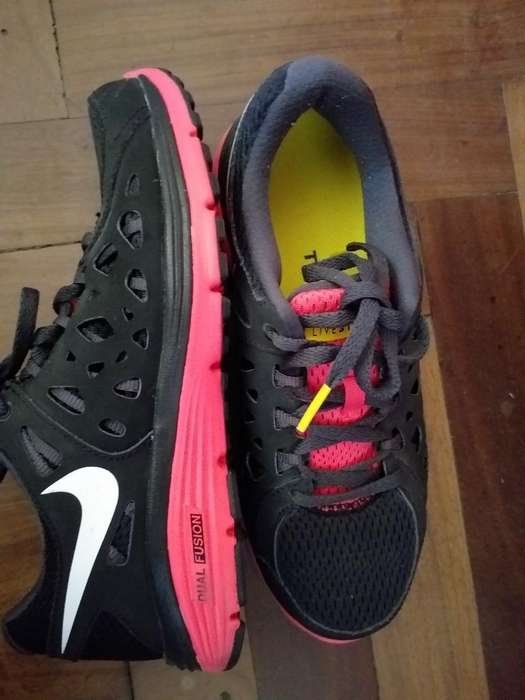 Zapatillas Nike Originales de Mujer 37
