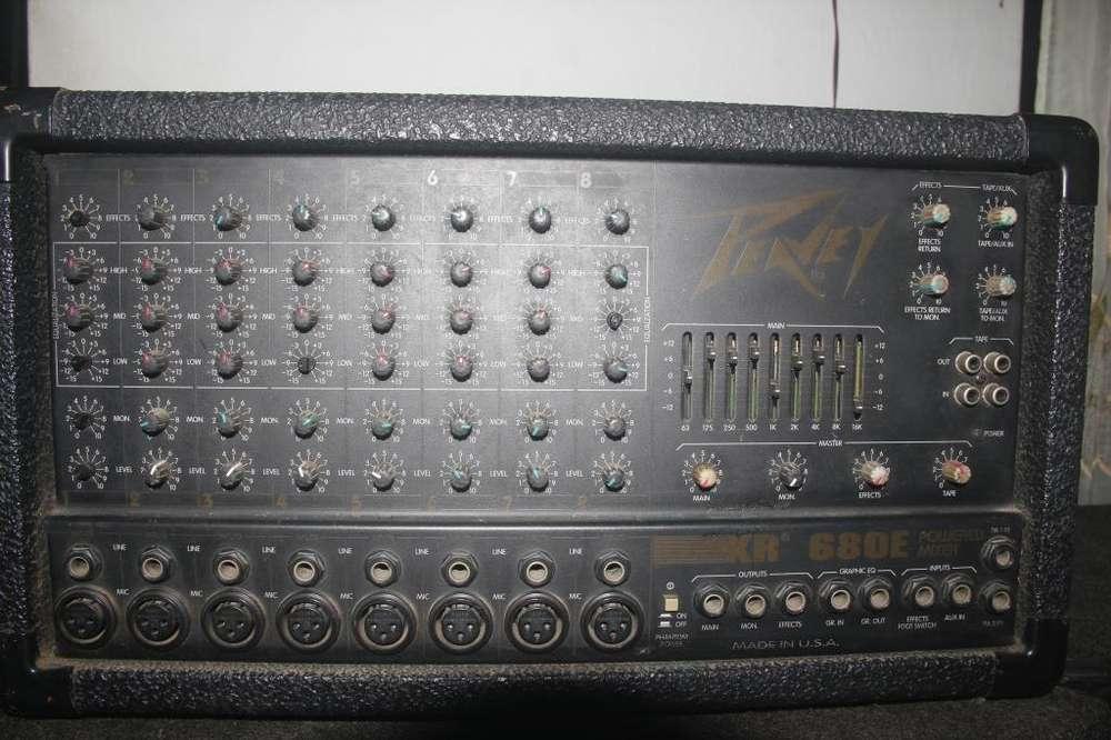 vendo consola amplificada PEAVEY SALIDA PARA 8 MICRÓFONOS Y 4 BALES