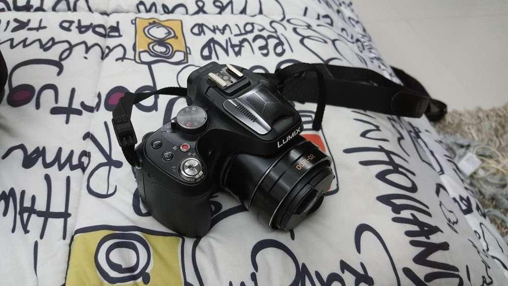 Camara Lumix Panasonic DMCFZ70 Efectivo o Cambio por otro objeto!!!