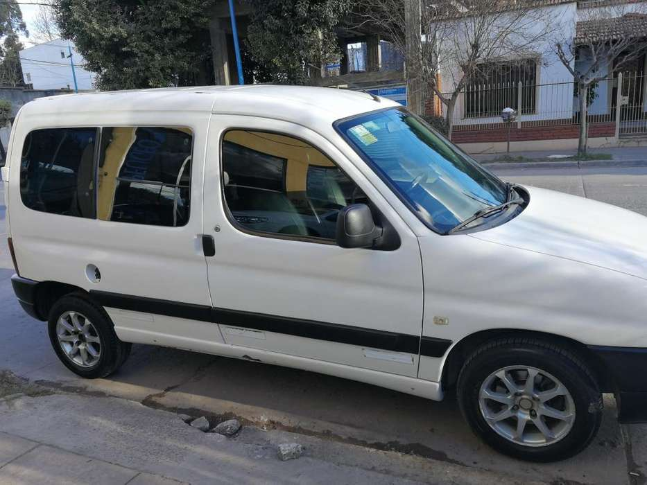 Citroen Berlingo 2005 - 240000 km