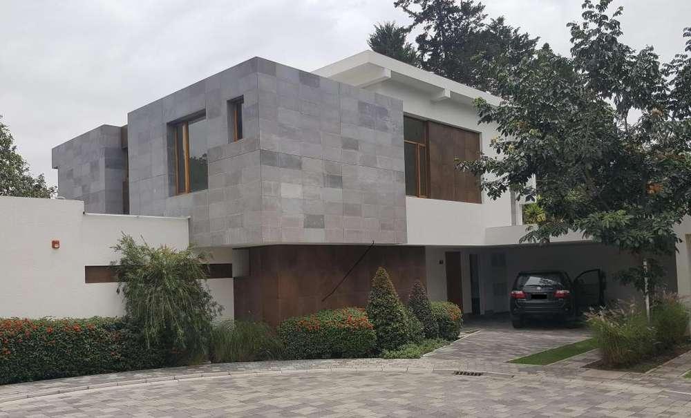 Casa de venta La Vina, diseno Diez Muller, 3 - 4 dormitorios, basement,