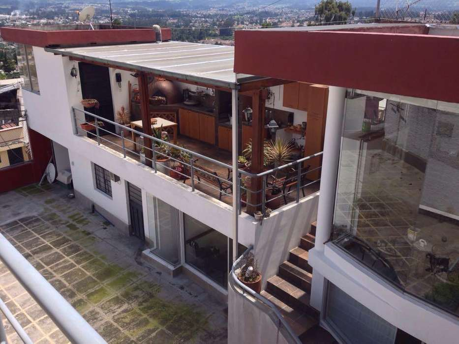 Casa en Venta en Conocoto