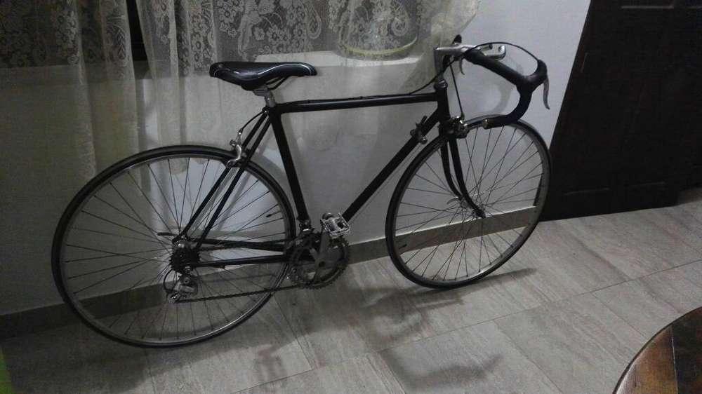 Bicicleta de Carreras Liviana