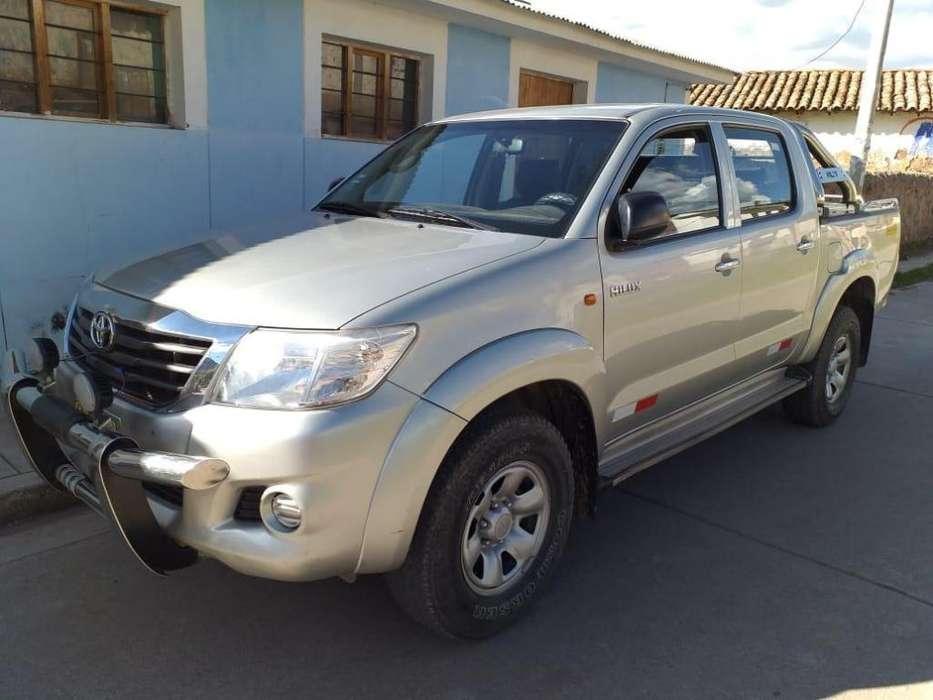 Toyota Hilux 2013 - 79000 km