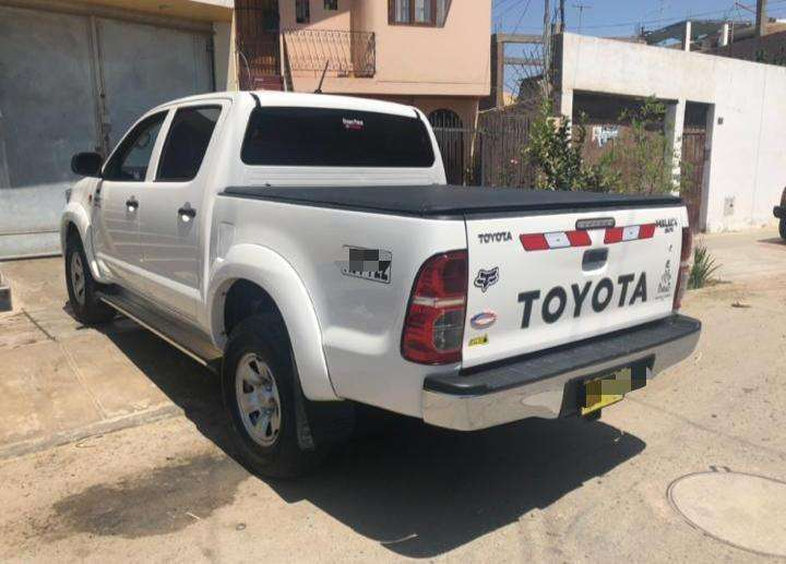 Toyota Hilux 2015 - 50000 km