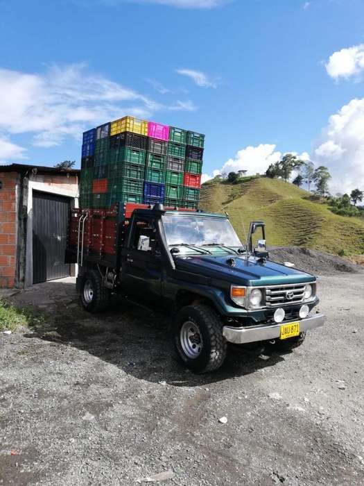 Toyota Land Cruiser 1998 - 182368 km