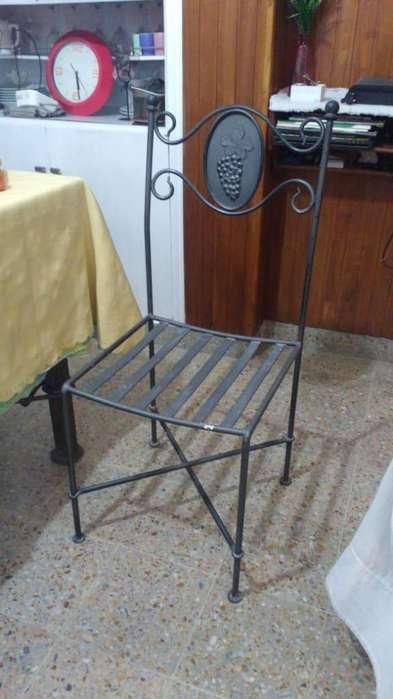 4 <strong>silla</strong>s Metalicas Iguales de excelente estado a 4500