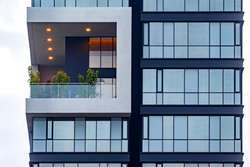 Oficinas de Venta en El mejor sector de Quito: La Carolina. Shyris y Portugal. Oficina 201,78 m2 con Balcón.