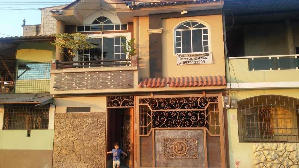 se vende linda casa de 3 plantas con acabados de primera