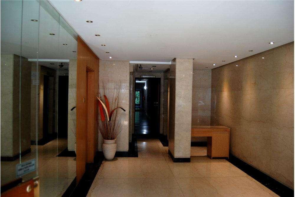 2 Amb 45 mts Luminoso a 50 metros de embajada USA