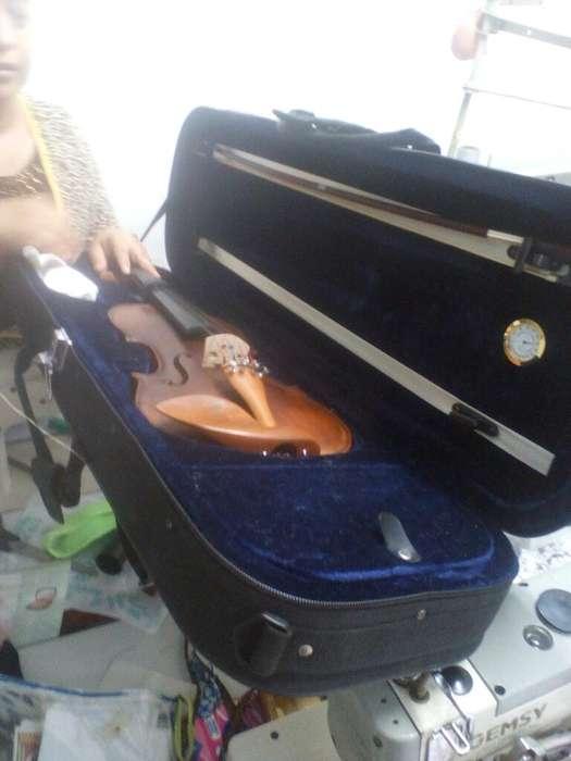 Violín Greko con Estuche Refrigerado Y T