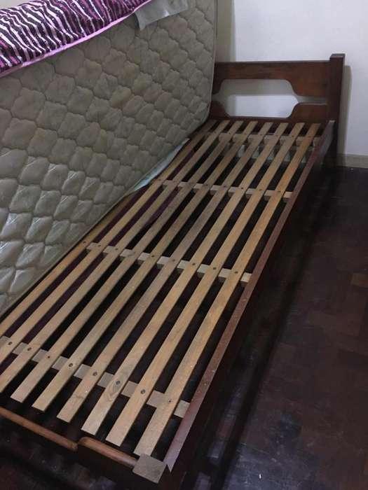 Cama de madera maciza Colchón