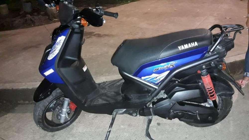 Vendo Moto Yamaha 2012
