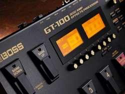 Vendo Pedalera de efectos de Boss GT100 COMO NUEVA!