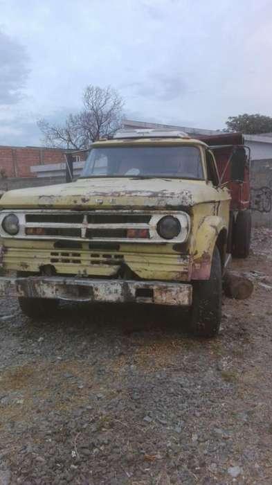 Vendo Dodge 800