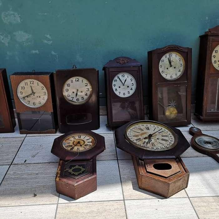 Remato Lote de Relojes de Pared