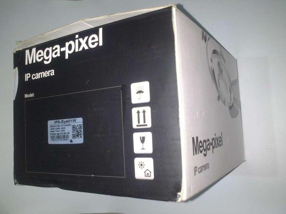 CAMARA ROBOTICA IP DE SEGURIDAD MARCA IPSMART IPSEYE 01W / H.264 / WIFI / 2 MPX / HD