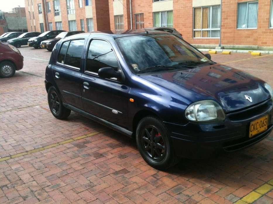 Renault Clio  2002 - 128000 km