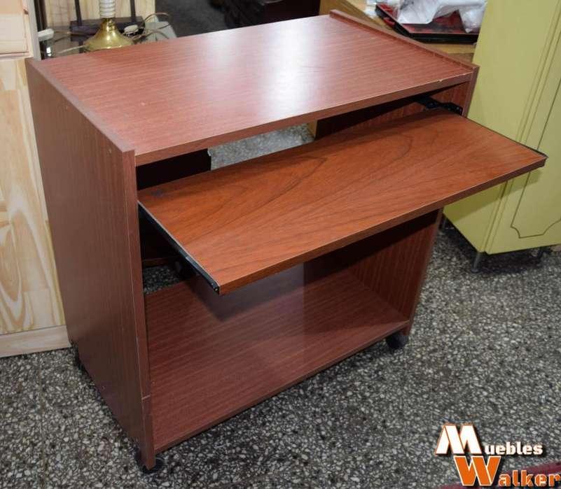 Mesa para PC muy poco uso