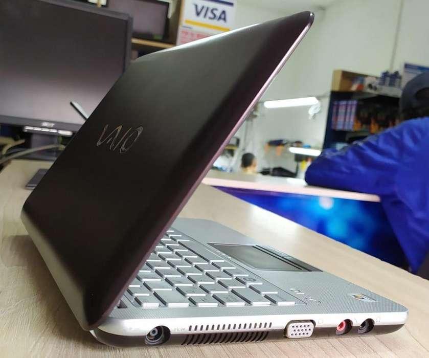 Lindo mini portátil Sony VAIO