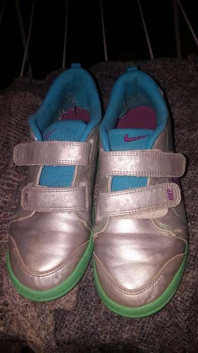 Zapa Nike 34