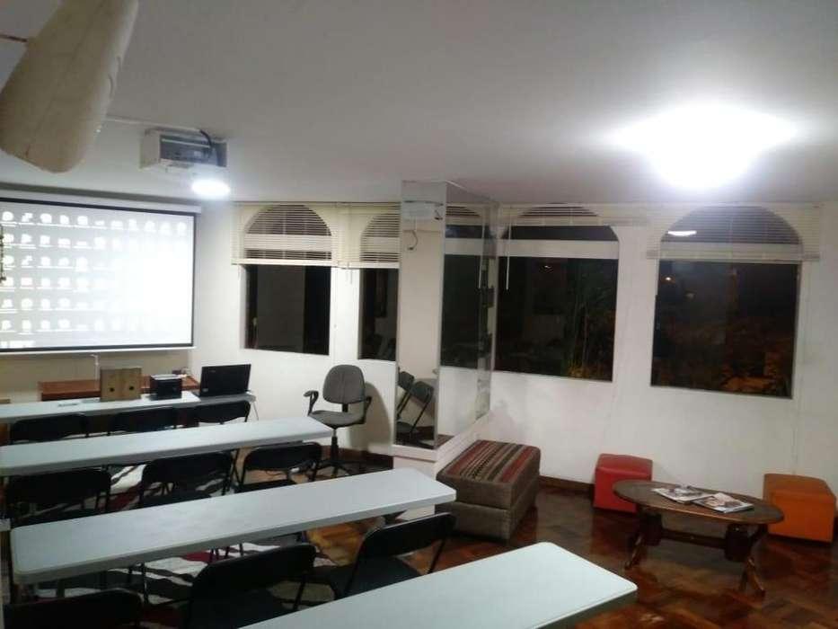 Aula Capacitación Salón Clase Auditorio Alquiler Miraflores