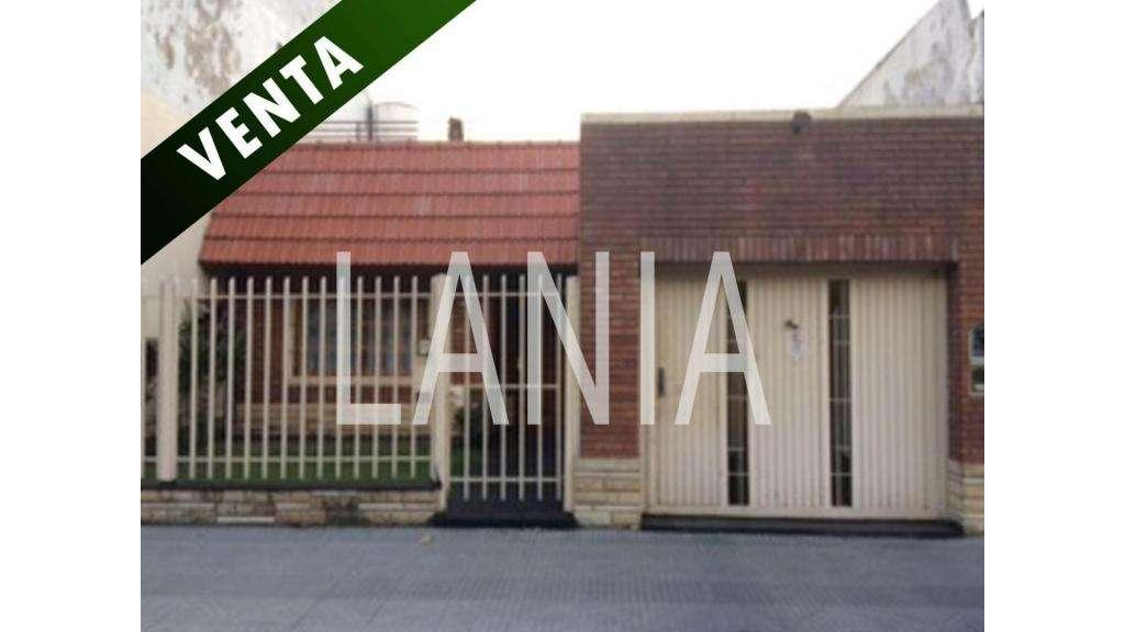 F Chiclana  2800 - UD 220.000 - Casa en Venta
